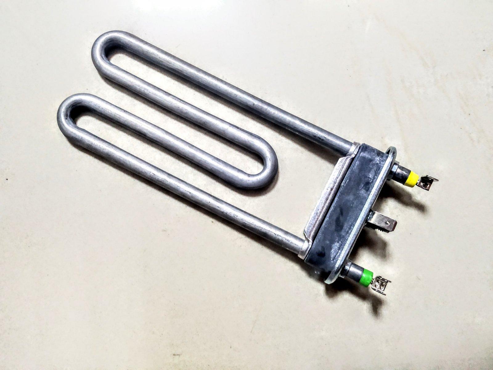 ТЭН для стиральной машины Indesit C00087188 с отверстием