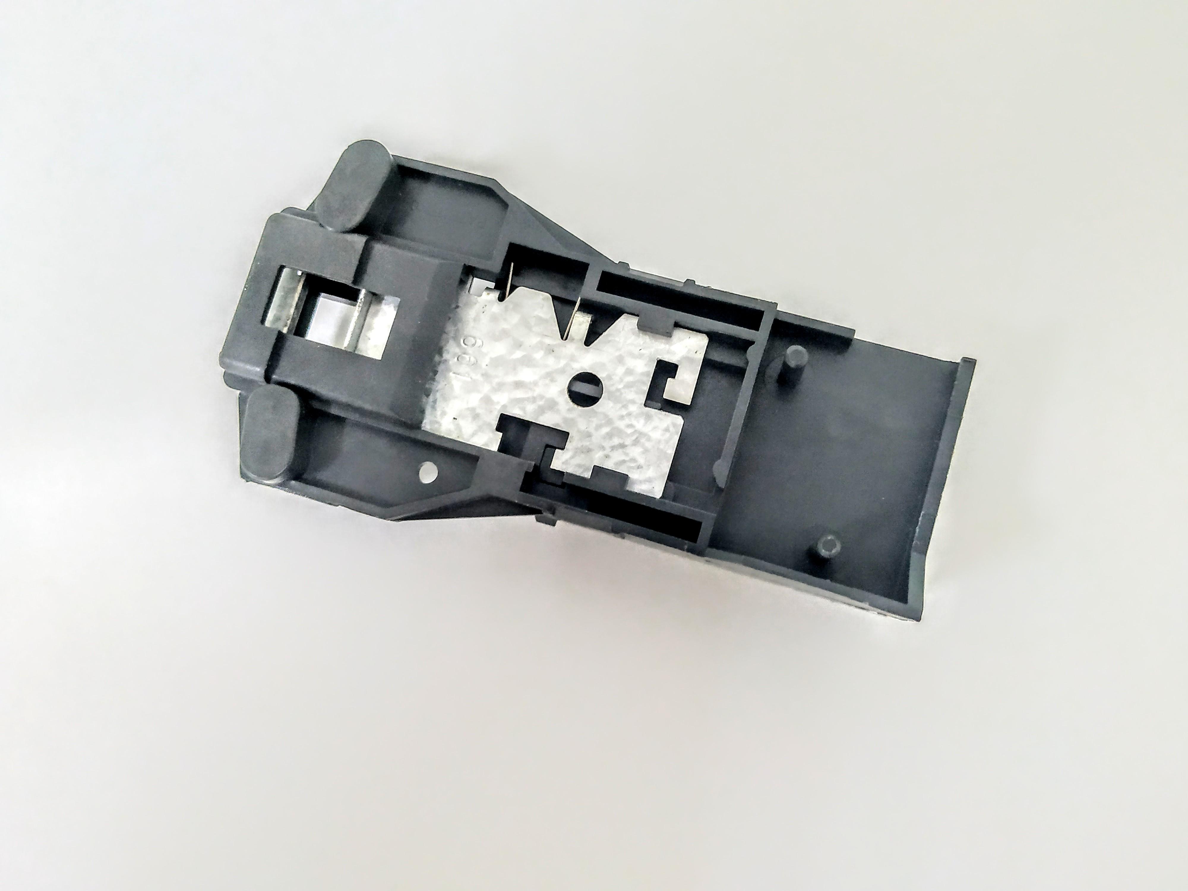 Замок люка для стиральной машины Indesit Ariston C00011140