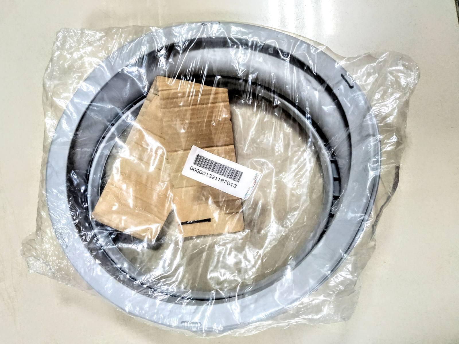 Резина люка для стиральной машины Zanussi 1321187013