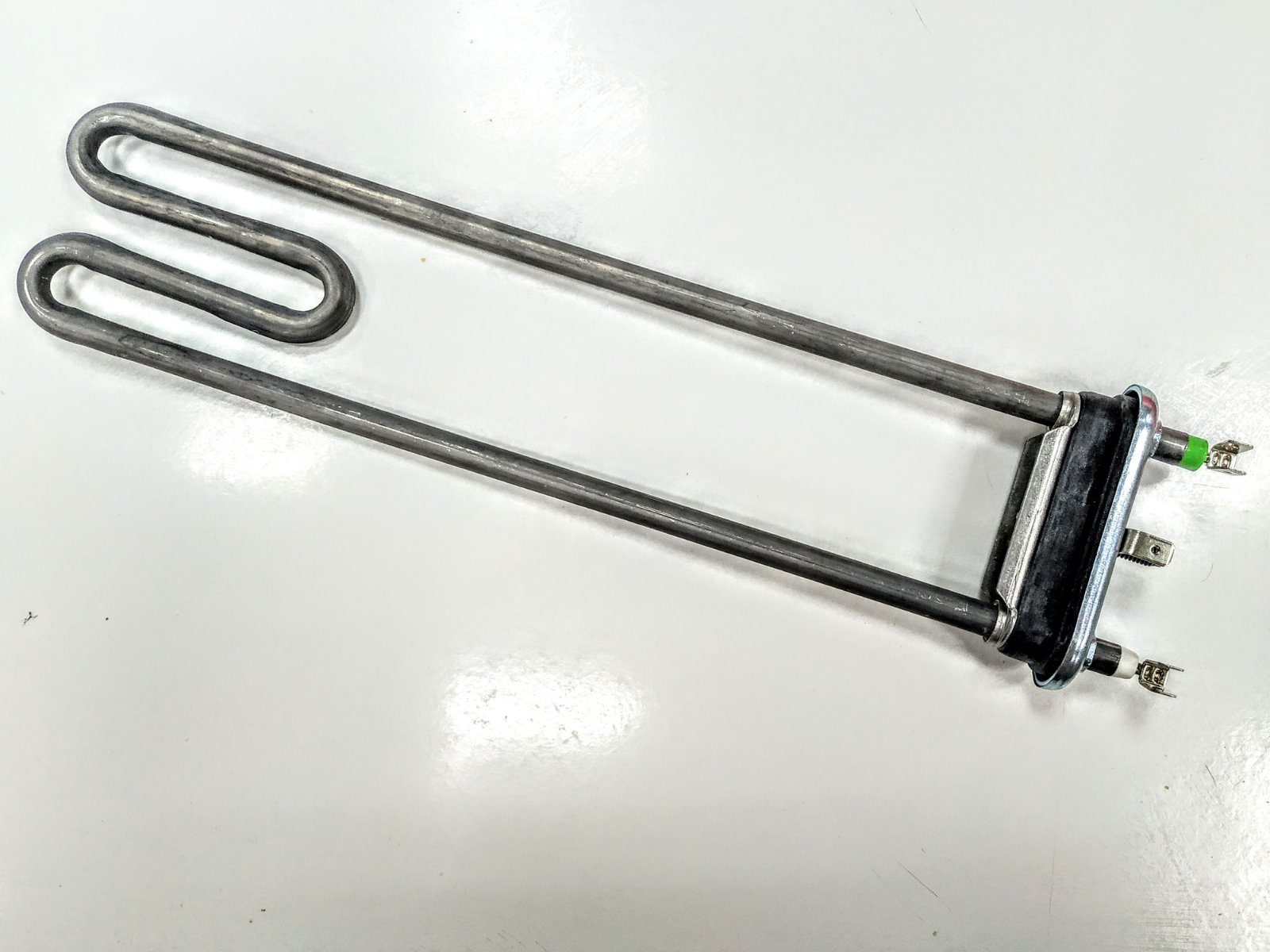 ТЭН для стиральной машины Indesit C00084391